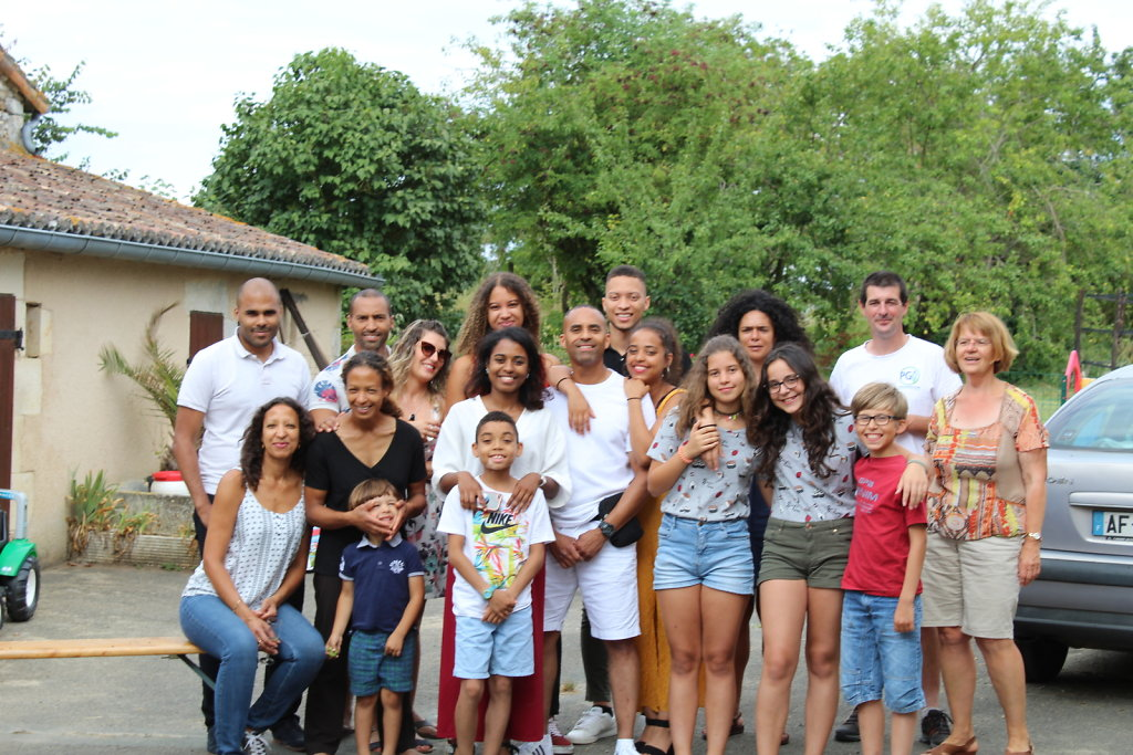 La-Grande-Famille-3.JPG