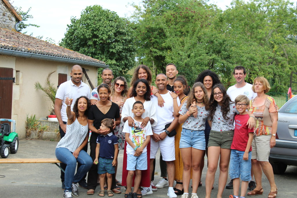 La-Grande-Famille-2.JPG