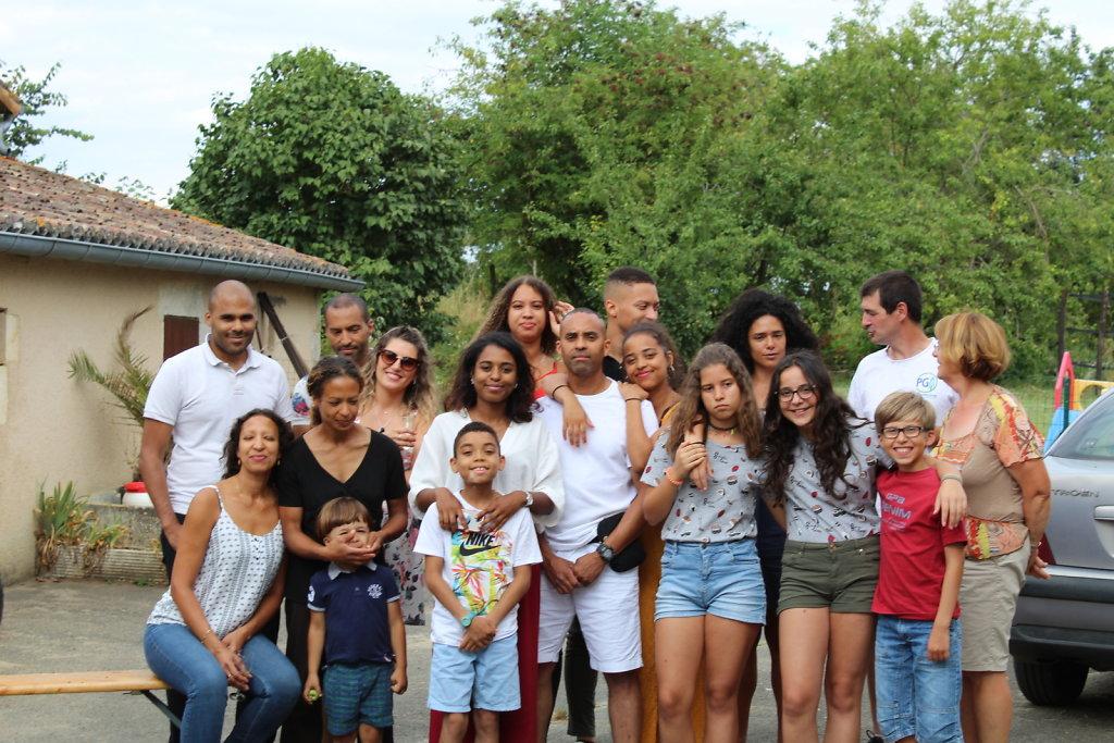 La-Grande-Famille-1.JPG